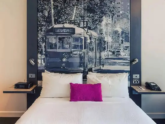 Central Sky Lounge Apartments, Melbourne
